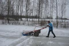2010-01-10 Andre grote schoonmaak ijsbaan de Bewwerskaamp 11