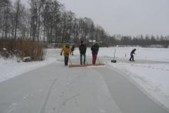 2010-01-10 Grote schoonmaak ijsbaan de Bewwerskaamp 16